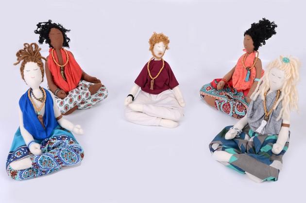 Bonecos e pesos de porta Meditação.JPG